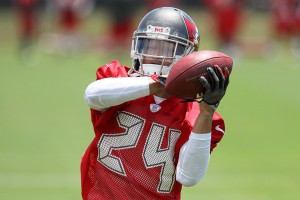 Tampa Bay got their first look at Brent Grimes in a Bucs uniform on Tuesday – Photo: Cliff Welch/PR