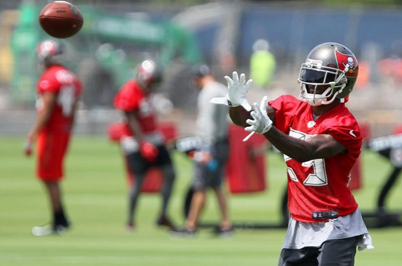 Inside Bucs OTA 6-8: Defense Finding Swagger; One WR Takes Lead