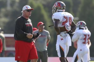 Bucs defensive coordinator Mike Smith and CB Vernon Hargreaves III - Photo by: Cliff Welch/PR