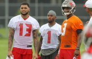 Bucs Camp Recap 8-19: Offense, Defense Trade Blows On First Day Back