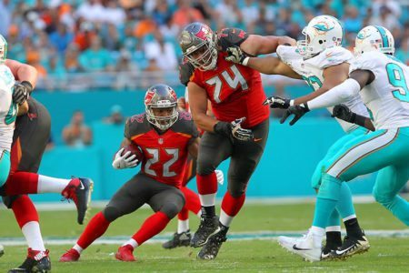 Bucs Ali Marpet and Doug Martin – Photo by: Cliff Welch/PR