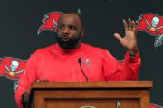 Buckner Thinks His NFL Playing Experience Will Benefit Bucs