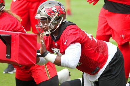 DT Gerald McCoy – Photo by: Cliff Welch/PR