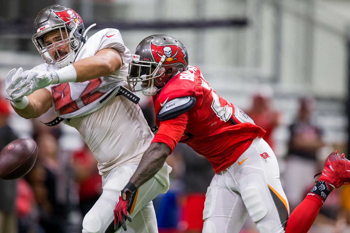 e3f82579 Inside Bucs Camp 8-1: Defense Back In Driver's Seat | Pewter Report